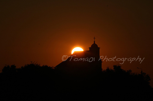 Church Silhouettes in The Sunrise (photo)